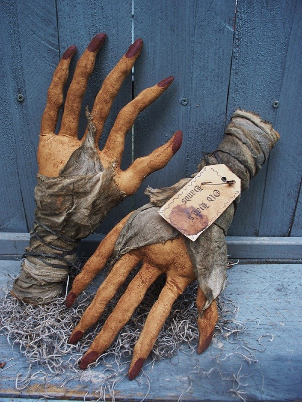 GNARLY OLD WITCH HANDS