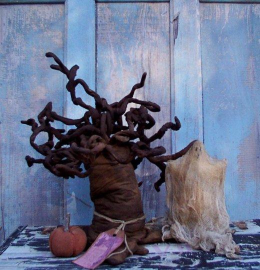 Gnarly ol' Haunted Tree Halloween / Fall Pattern