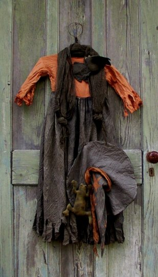 Old Hag's frock & hat Halloween / Fall Pattern