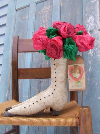 Victorian Shoe & Paper Roses Pattern