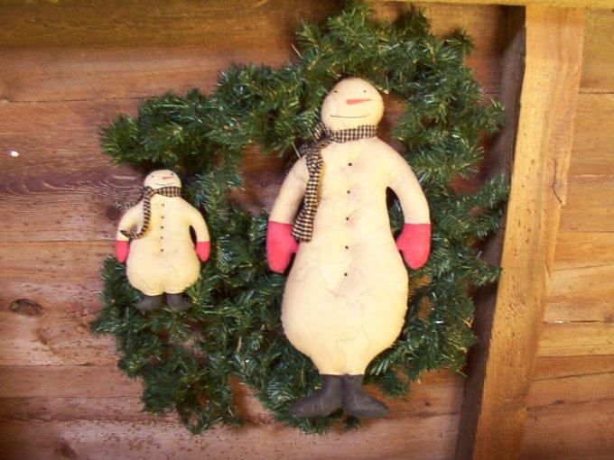 Primtive Snowman & Ornie Pattern